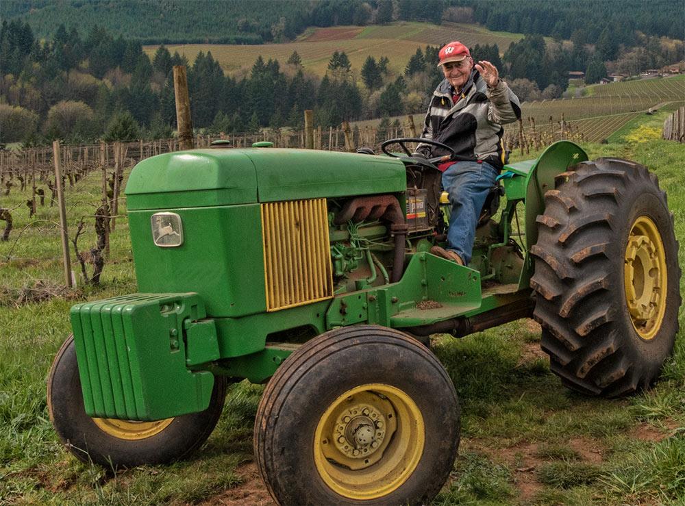 maresh-jim-sr-tractor-smile-1000p